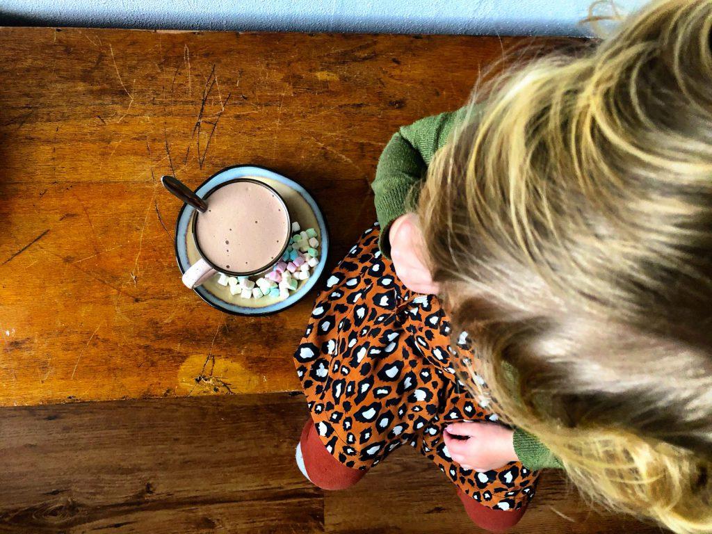 Kids chocoladelatte met marshmallows