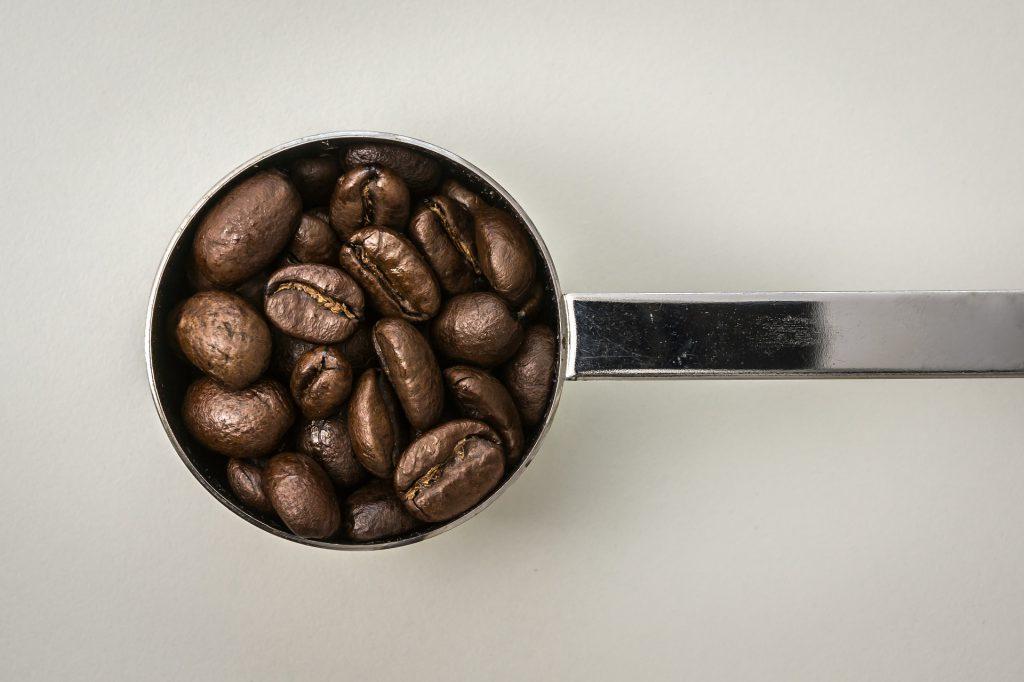 Afwegen en meten met cups