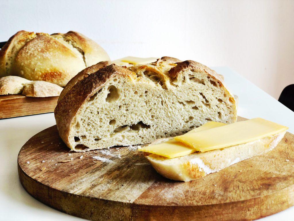 Zuurdesembrood (wit) bakken